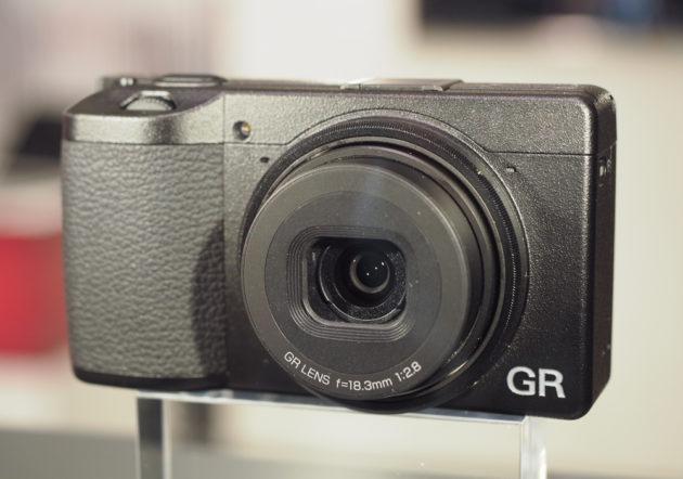 Ricoh-GR-III-camera2-1